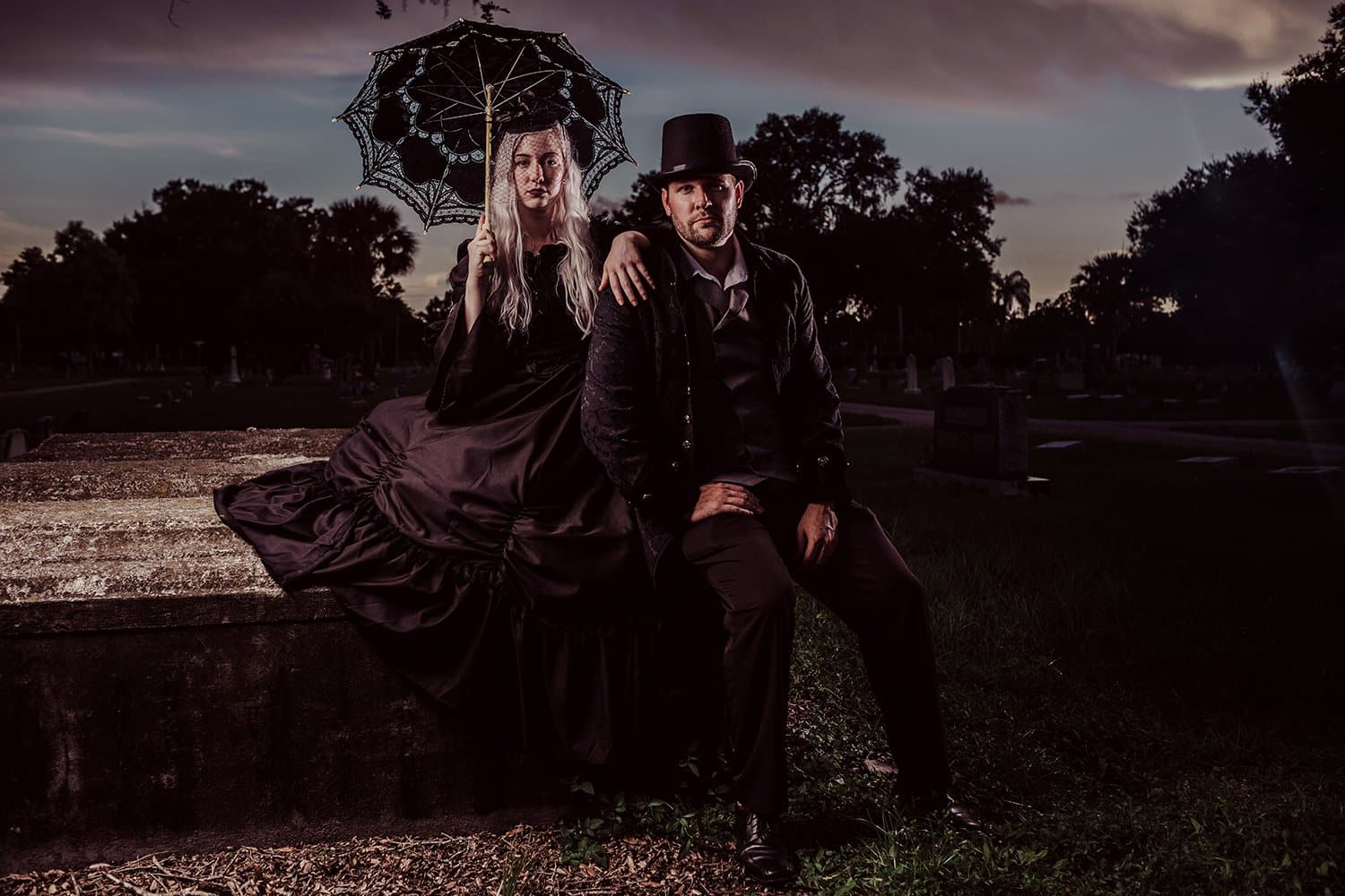 cosplay portrait couple victorian gothic fort myers cemetery